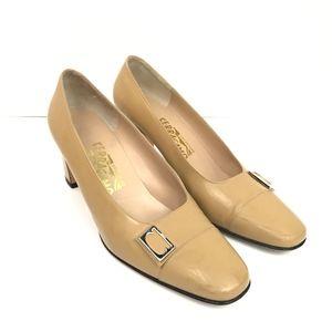 Salvatore FERRAGAMO Size 8 C Decree heels vintage